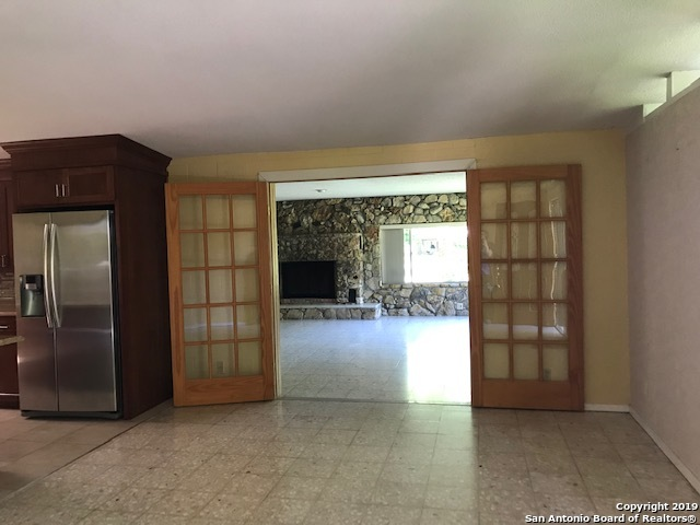 355  Guadalupe River Dr-14