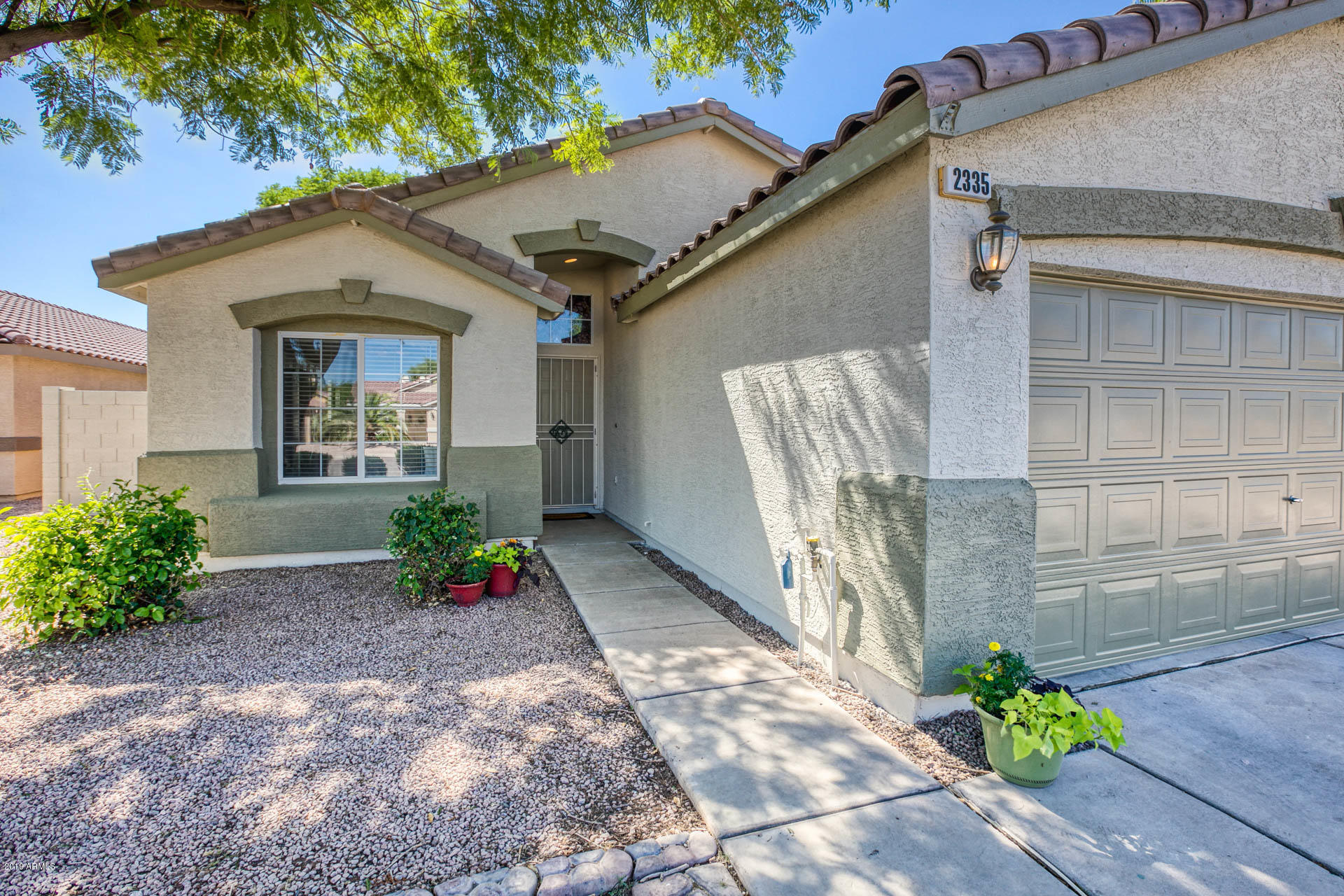 2335 E BROWNING  -1