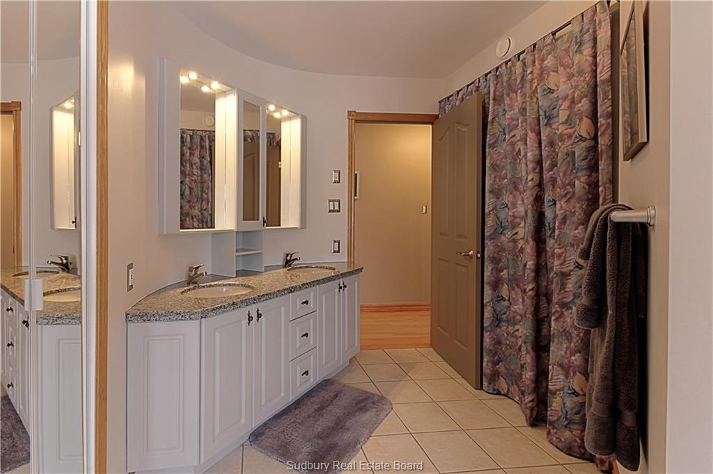 344 Lakeview Place 344  -18